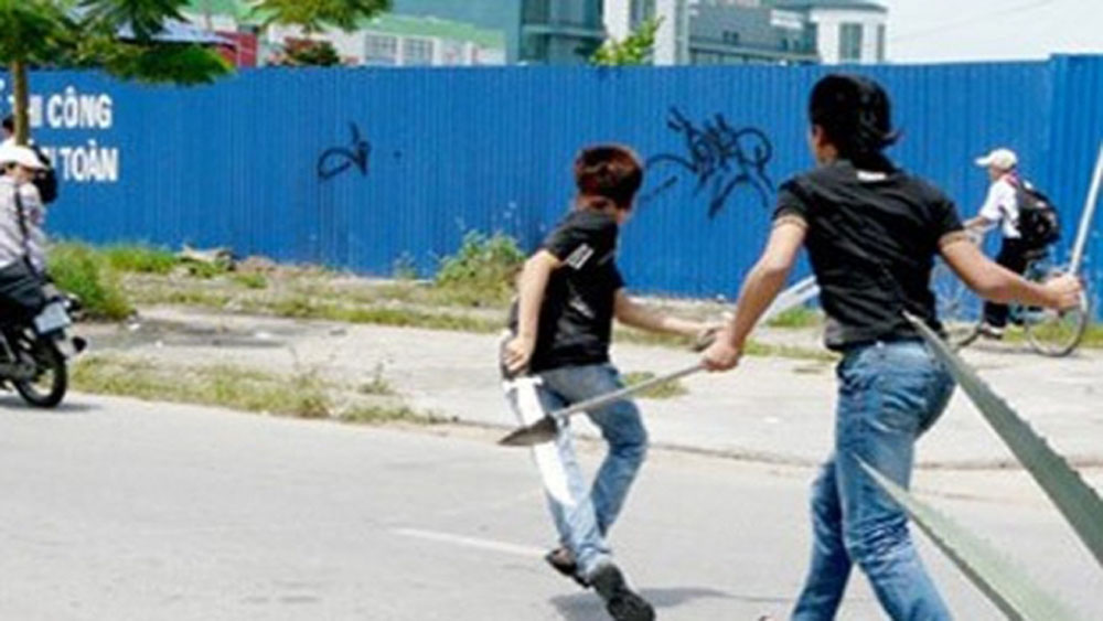 3 công nhân đánh nhau gây thương tích